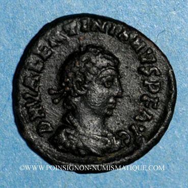 Coins Valentinien II (375-392). 1/2 centénionalis. Héraclée, 2e officine. 383. R/: couronne