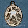 Coins Trois Epis. Souvenirs du sanctuaire (19e). Laiton. Ovale, avec son œillet. 17,01 x 24,34 mm