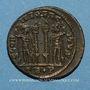 Coins Constantin II, césar (317-337). Centénionalis. Trèves, 1ère officine. 322-323. R/: deux soldats